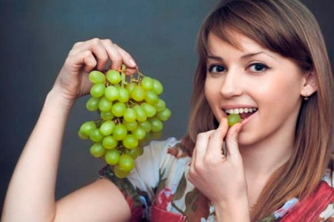 Отравление виноградом