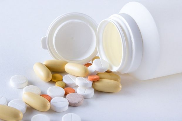 Таблетки в баночке